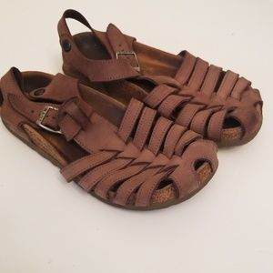 Naot Strappy Brown Sandals
